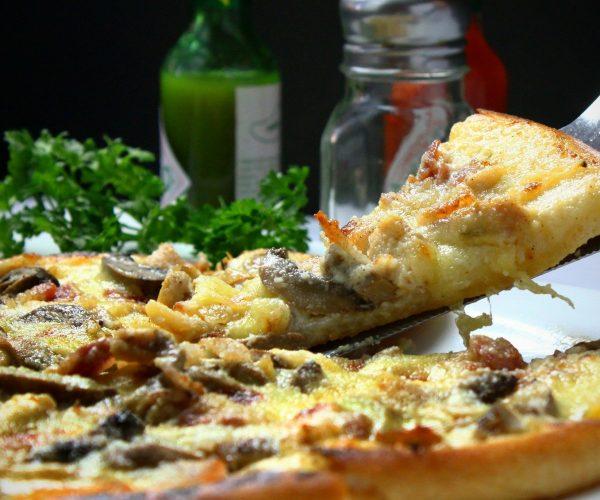 Pizza – jak zakochał się w niej cały świat?